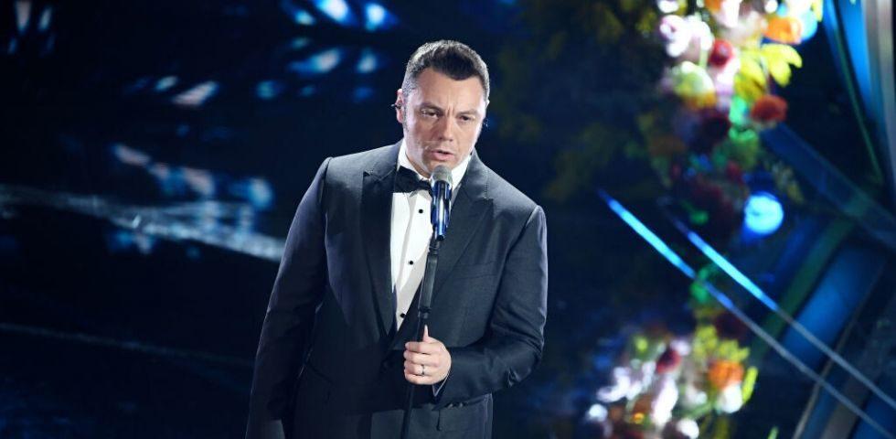 Sanremo 2020: lite tra Fiorello e Tiziano Ferro, le scuse del cantante