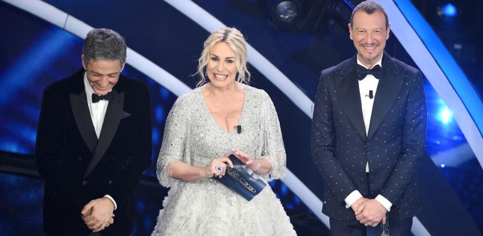 Sanremo 2020: i look di Antonella Clerici e Francesca Sofia Novello