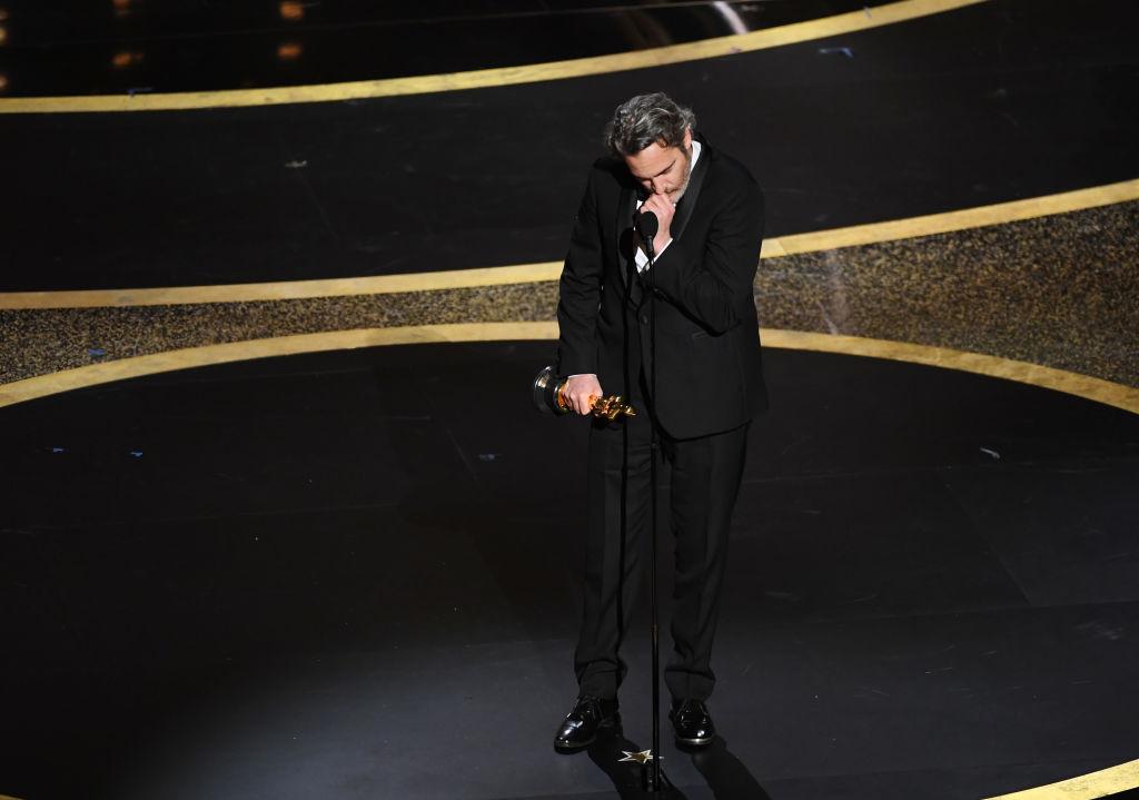 Il discorso di Joaquin Phoenix e la dedica al fratello