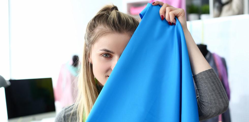 Come scegliere i colori dei vestiti adatti alla carnagione