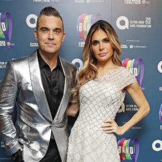 Robbie Williams presenta il figlio Beau