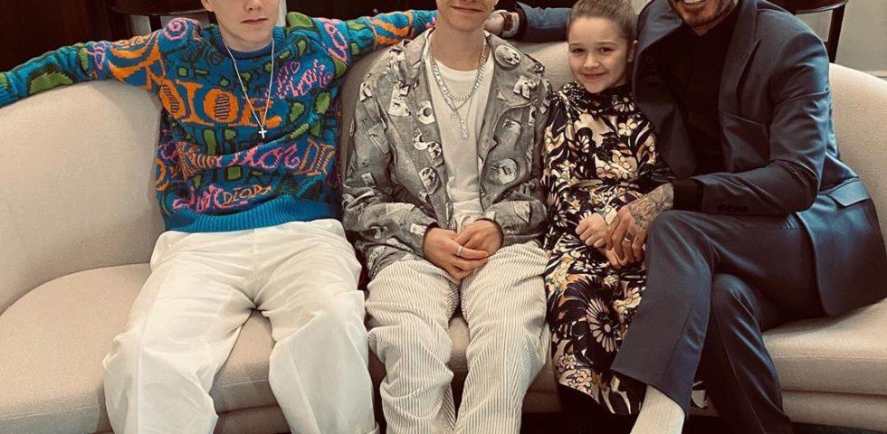 La famiglia Beckham (quasi) al completo alla sfilata di Victoria