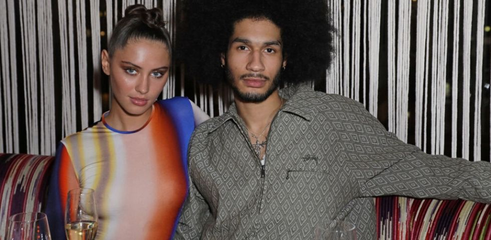 Iris Law è cresciuta e fa festa alla London Fashion Week
