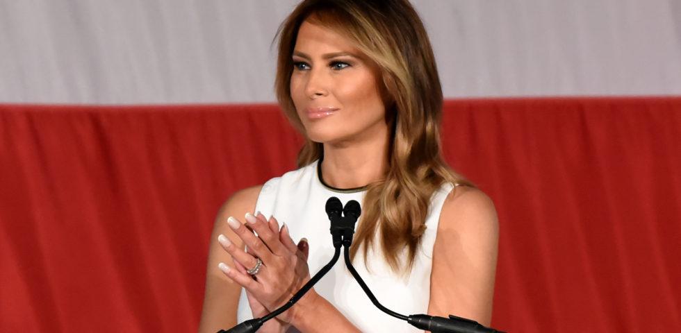 Melania Trump premiata con il Woman of Distinction Award