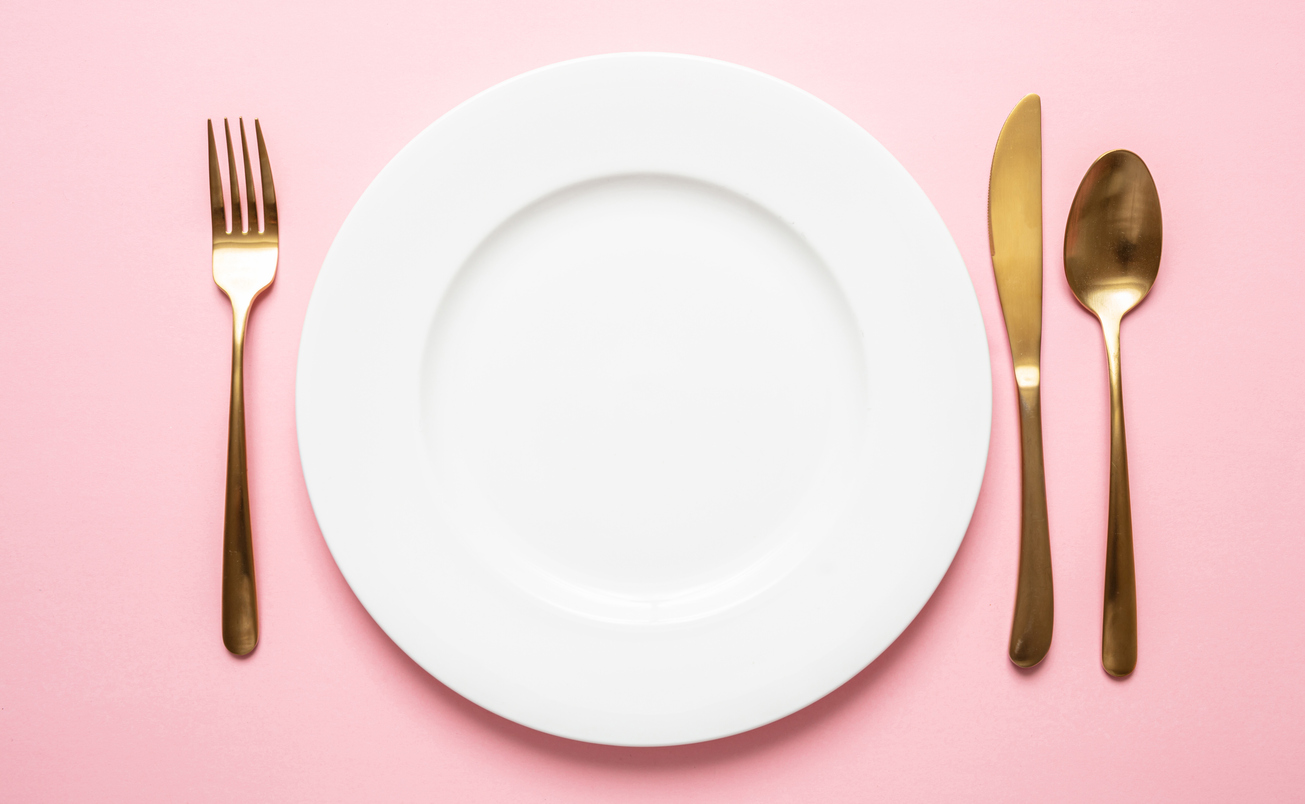 Galateo Tovagliolo A Destra come mettere le posate a tavola: cosa dice il galateo