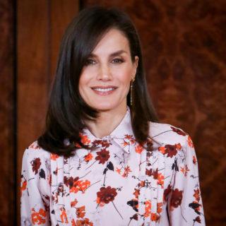 Letizia Ortiz: stampa floreale firmata Hugo Boss