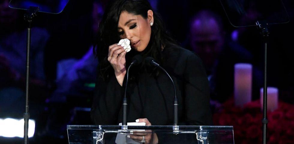 Vanessa Bryant in lacrime alla cerimonia per il marito Kobe