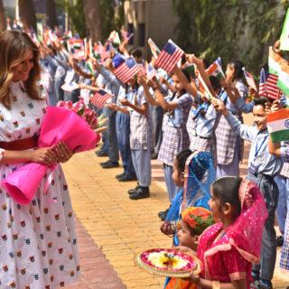 Melania Trump in India tra moda e bambini