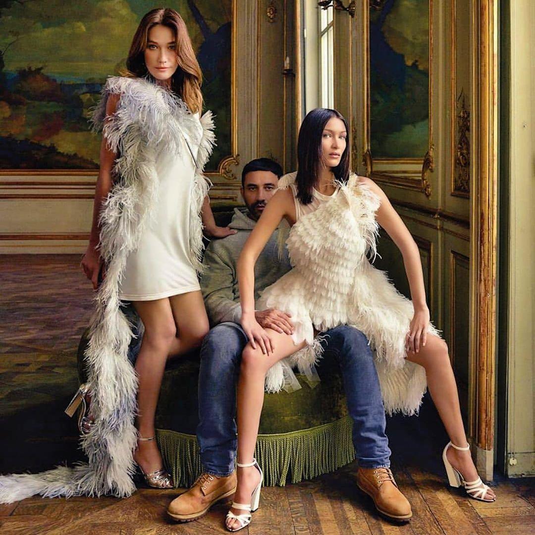 Carla Bruni e Bella Hadid identiche sulla copertina di ELLE
