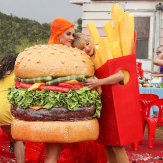 Katy Perry: io e Taylor Swift messaggiamo sempre