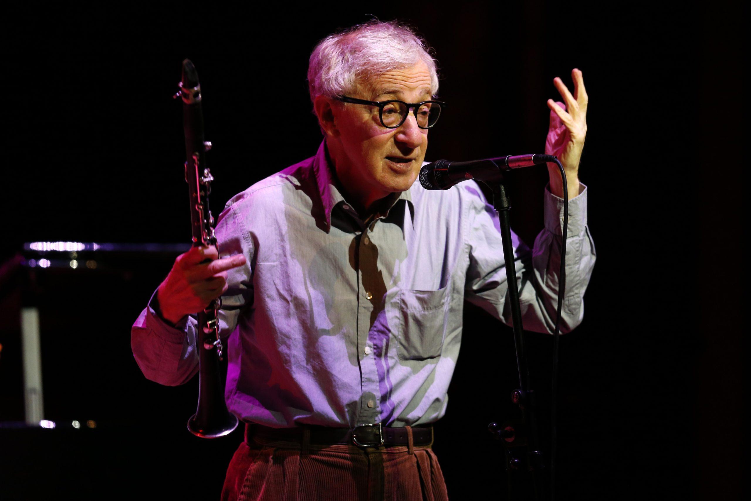 Woody Allen, bufera per il libro di memorie