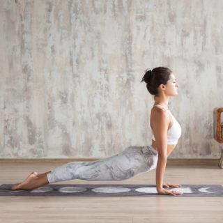 Vinyasa flow yoga: la guida completa