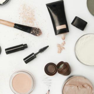 Beauty Advisor: creme e fondotinta per pelli miste