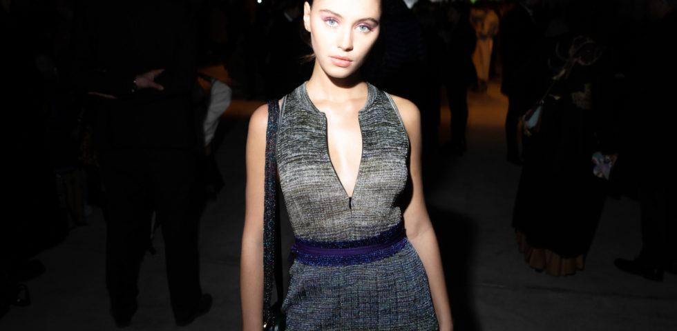 La figlia di Jude Law debutta nella moda sfilando a Parigi