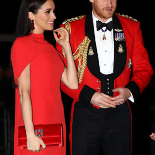 Meghan Markle: il look total red che conquista Londra