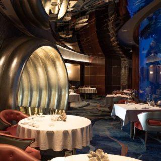 Book a table: Mangiare in un acquario a Dubai