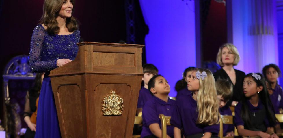 Kate Middleton ricicla un abito da sera di Jenny Packham a Buckingham Palace