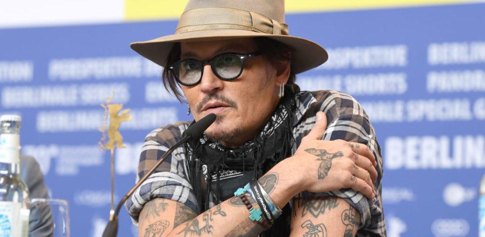Johnny Depp ha quasi perso un dito durante una lite con Amber Heard