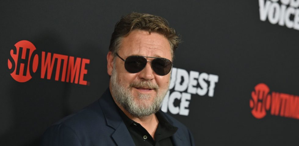 Russell Crowe lancia un messaggio di speranza all'Australia