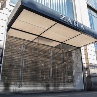 Coronavirus: Zara produce i camici protettivi