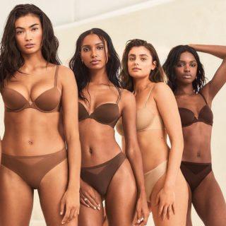 La campagna di Victoria's Secret con modelle curvy e trans