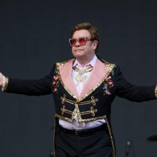 Il concerto benefico da camera di Elton John