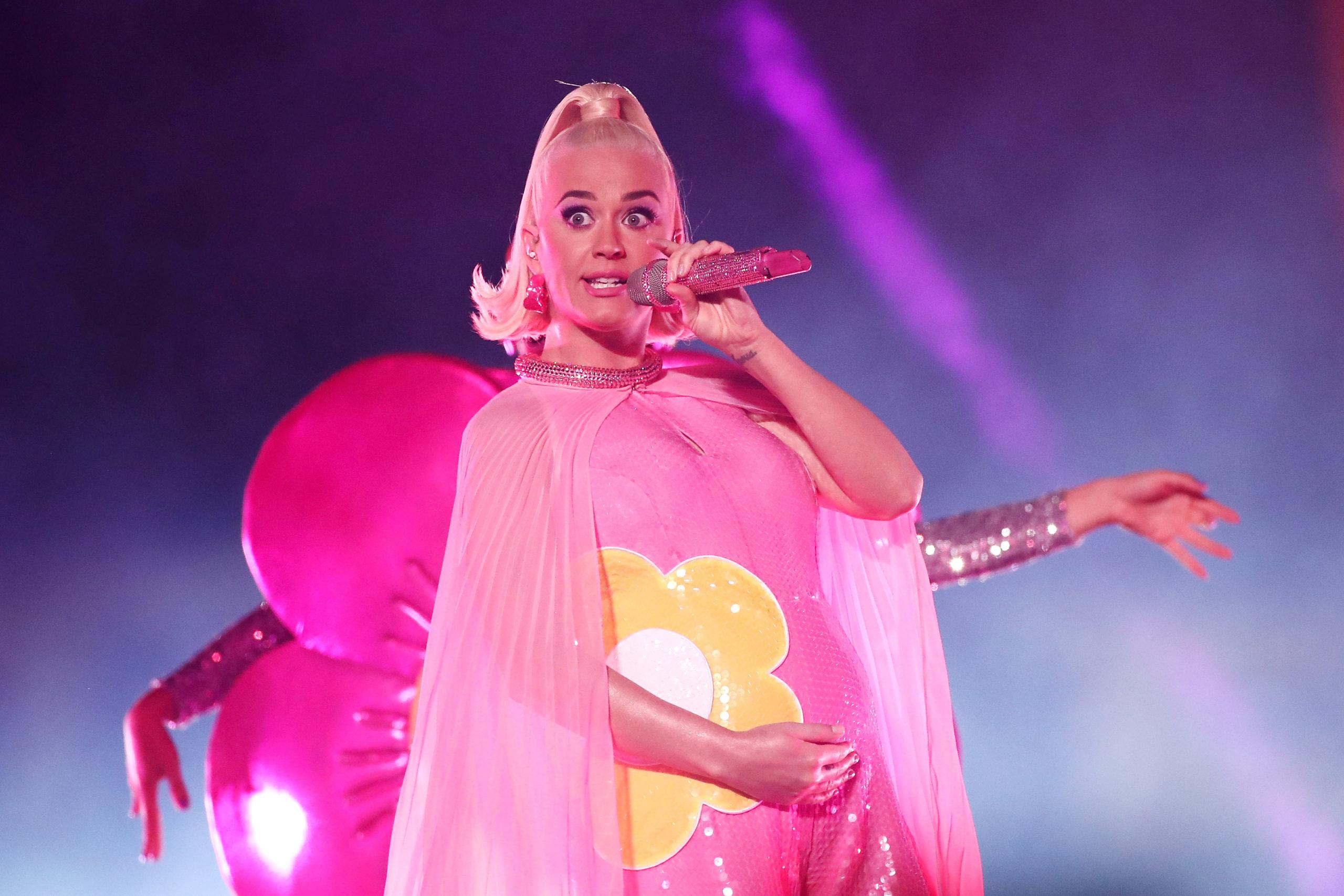 Katy Perry incinta isolamento voglie