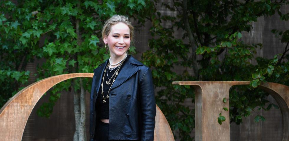 Jennifer Lawrence blocca un'intrusa nella sua villa: era una fan dell'attrice