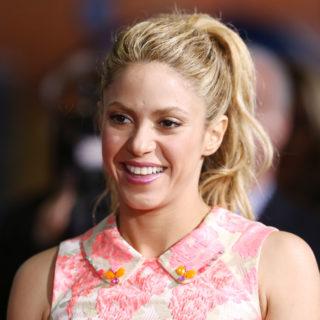Shakira: governi troppo lenti nella lotta al Coronavirus