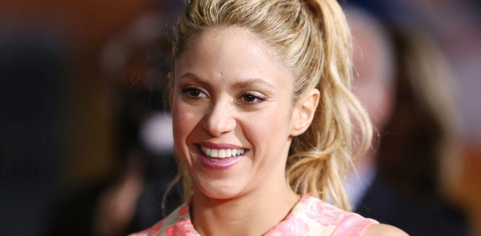 Shakira: laurea in filosofia durante la quarantena
