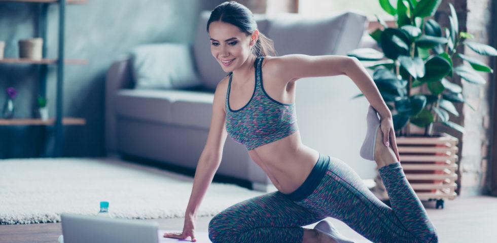 Abbigliamento fitness online: cosa acquistare per allenarsi in casa