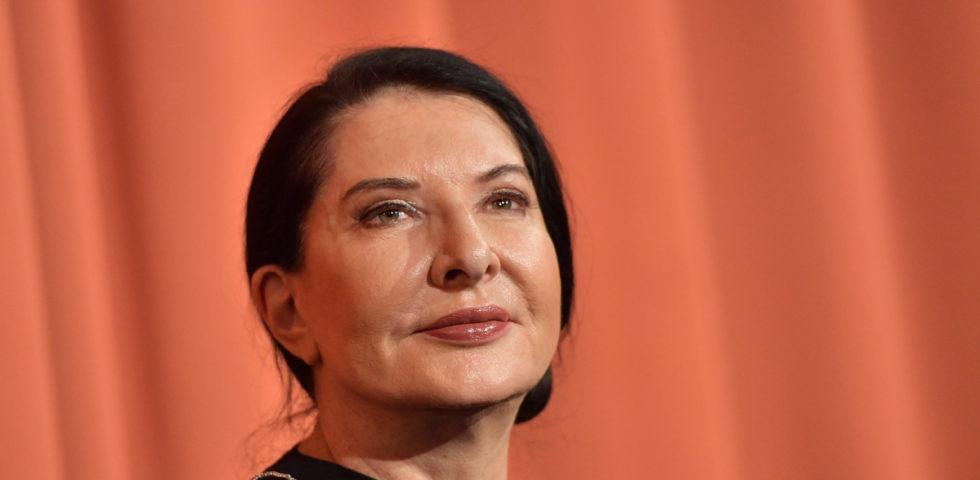 Marina Abramovich lancia il suo messaggio d'amore all'Italia