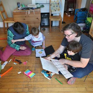 I giochi di movimento da fare in casa per i bambini