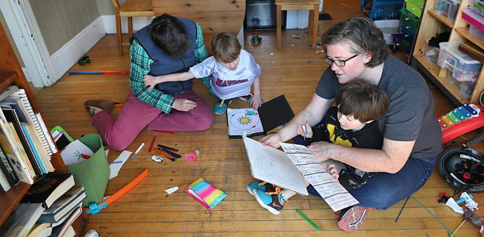 Coronavirus: i giochi di movimento da fare in casa per i bambini