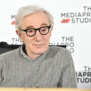 Woody Allen contro Timothée Chalamet nel suo libro