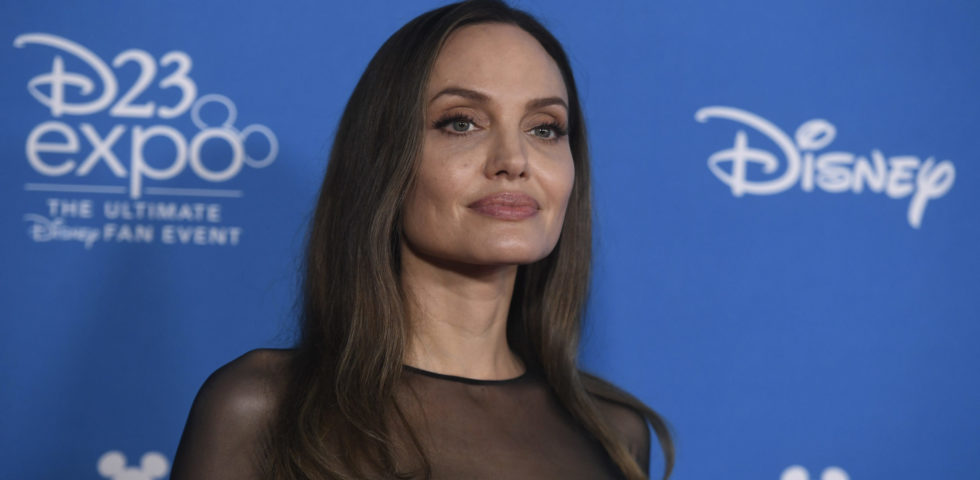 Angelina Jolie parla della sua vita in famiglia durante la quarantena