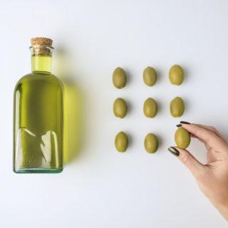 Olio di oliva: tutti gli usi del prezioso elisir di bellezza