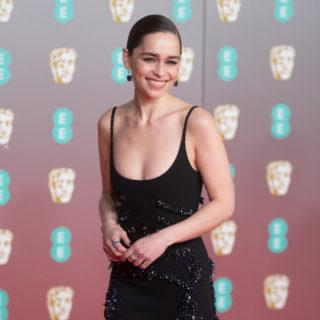 Emilia Clarke e altri vip leggono favole ai bambini