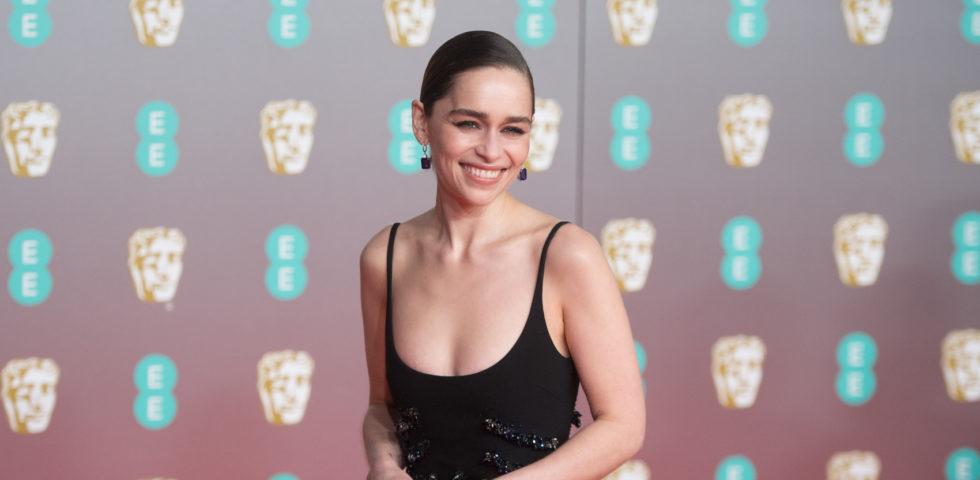 Coronavirus: Emilia Clarke e altri vip leggono favole ai bambini in quarantena