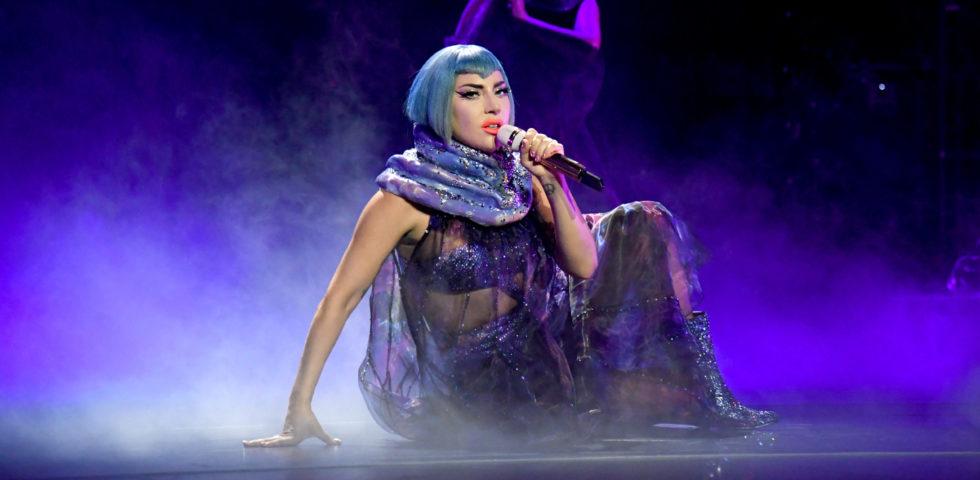 Il padre di Lady Gaga raccoglie fondi per il suo ristorante: scatta la polemica