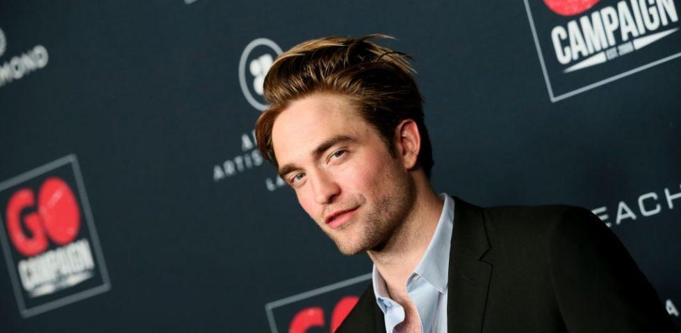 """Robert Pattinson pensa di odorare di pastelli, """"come se fossi imbalsamato"""""""