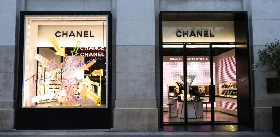 Chanel rinuncia alla cassa integrazione e dona 1,3 milioni contro il Coronavirus