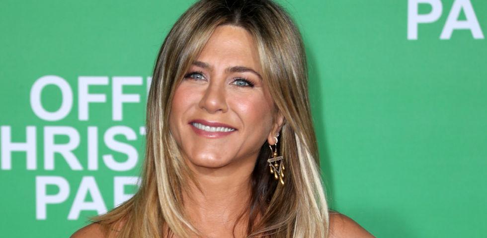 Jennifer Aniston: 10mila dollari alle infermiere che lottano contro il Coronavirus