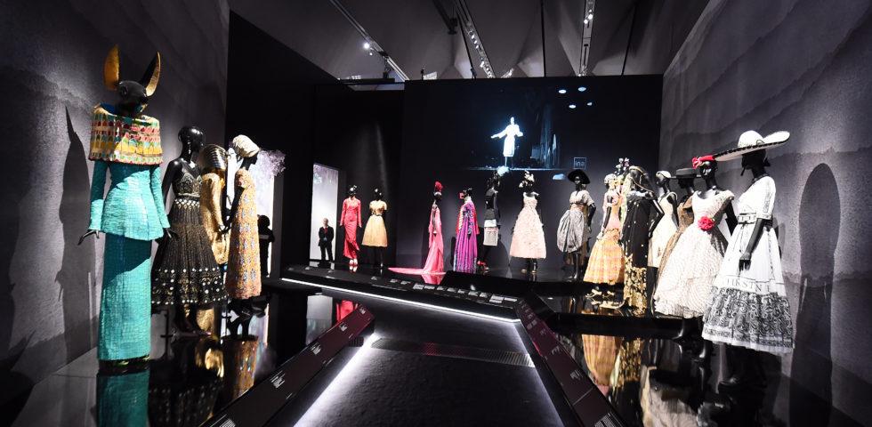 Christian Dior: è online il tour virtuale della mostra dedicata allo stilista