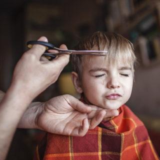 Come tagliare i capelli ai bambini like a pro