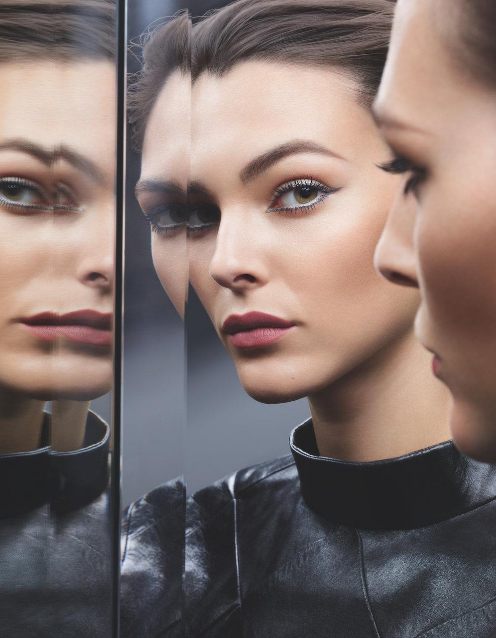 Vittoria Ceretti è la testimonial della campagna make-up Chanel Eye Collection 2020
