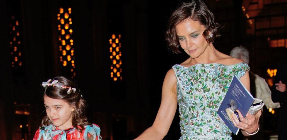 Katie Holmes: in una foto la sorprendente crescita della figlia Suri