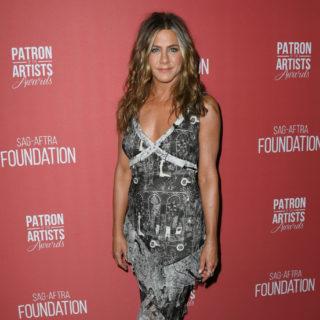 Anche Jennifer Aniston non è può più del Coronavirus
