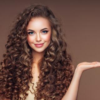 La guida ai ricci perfetti con il Curly Girl Method
