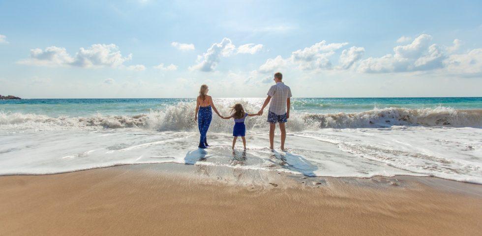 Coronavirus: nel Decreto Rilancio aiuti alle famiglie, tra babysitter e congedi